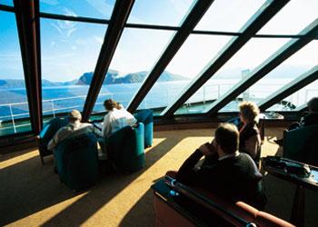 495トロンフィヨルド 船から眺めるオーロラとかわいらしいノルウェーの港を巡る7日間
