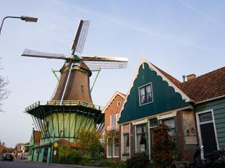 アムステルダム/ザーンセスカンス(オランダ)